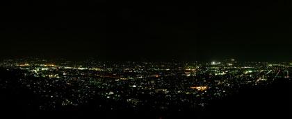 ライトダウン中の甲府盆地夜景